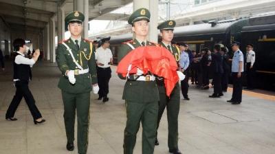 痛心!一名安庆籍飞行员不幸牺牲!最后时刻他……