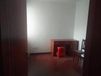 物华小区 三室一厅单元房年租1.6万